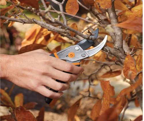 1.Fiskars 91095935J Steel Bypass Pruning Shears