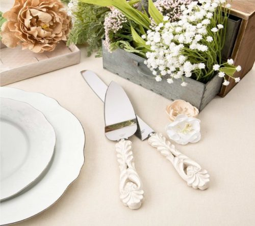 6.Fashioncraft Vintage Baroque Design Antique Ivory Server and Cake Knife Set, One Size