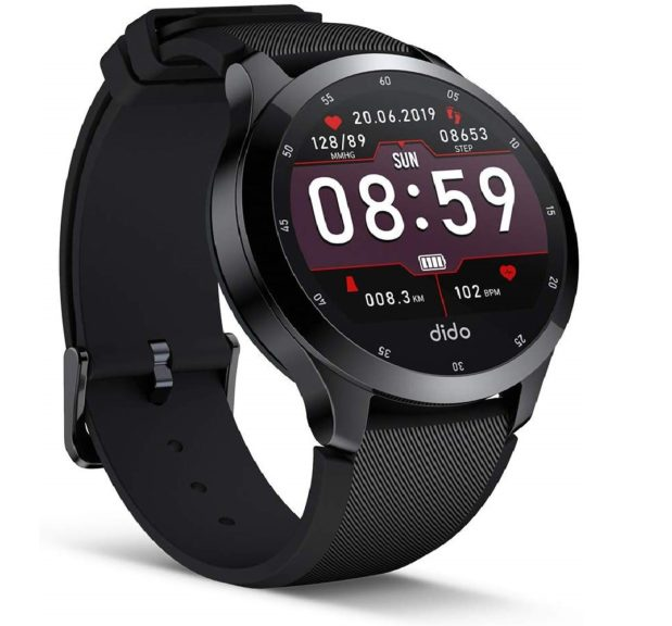 7.Fitness Tracker Bluetooth Smart Watch with Activity Tracking